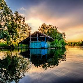 Fisherman hut in Danube Delta by Florin Ihora - Landscapes Waterscapes ( hut, delta, romania, fisherman, danube,  )