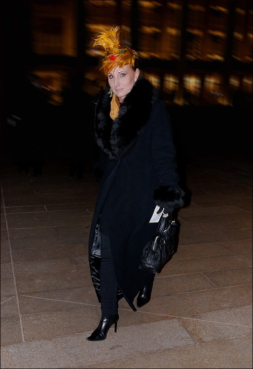 w all black long coat fur collar and cuffs