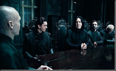 Ralph_Fiennes_as_Lord_Voldemort_and_Alan_Rickman_as_Severus_Snape_(Deathly_Hallows)