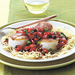 Scallops with Capers and Tomatoes