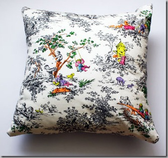 toile_pillow