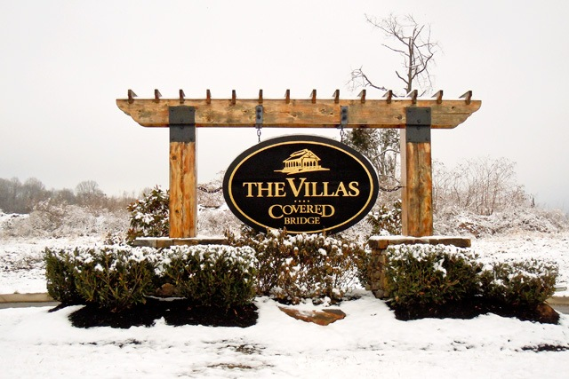 villa entrance sign
