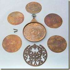 الريحان البيرونى ومخترعون astrolabe2%5B1%5D.jp