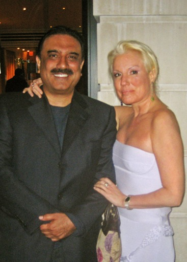 Asif_Ali_Zardari_and_Daphne