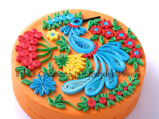 Quilling decorated box, side view