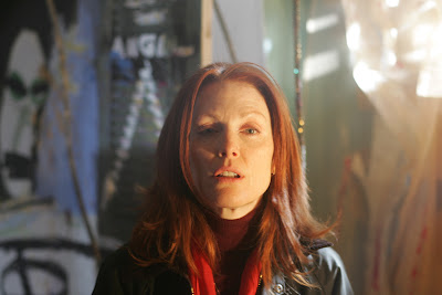 Julianne Moore is dr Cara Jessup in Shelter