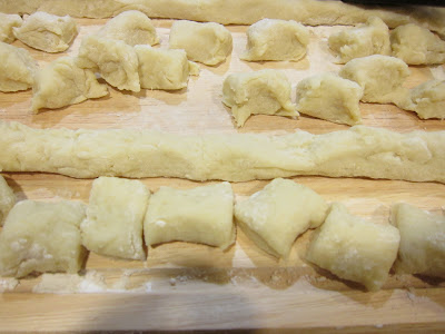 photo of the dough ropes sliced into pieces