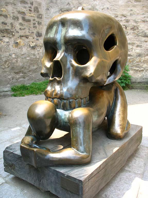 strange-sculptures-skull.jpg