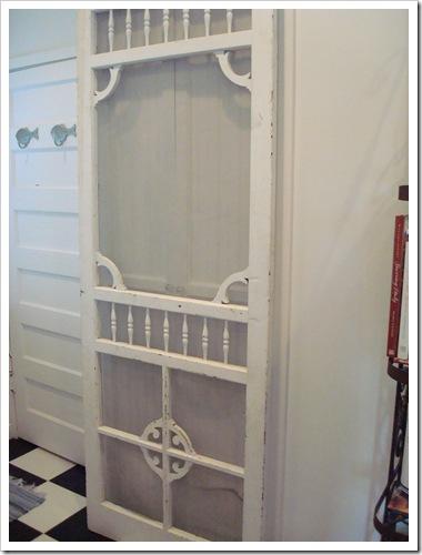 Cottage Lifestyle A Vintage Laundry Door