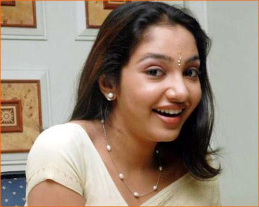 Actress And Celeb News: Actress Maya Unni Picture