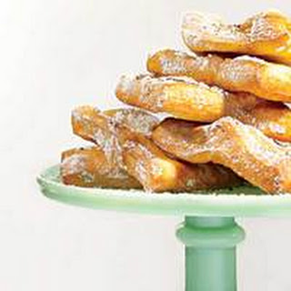 Espresso-Dusted Beignets