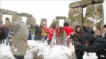 Stonehenge marks winter solstice despite snow and ice
