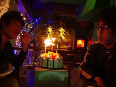 촛불 끄기 [친구,술,소주,생일,birthday]