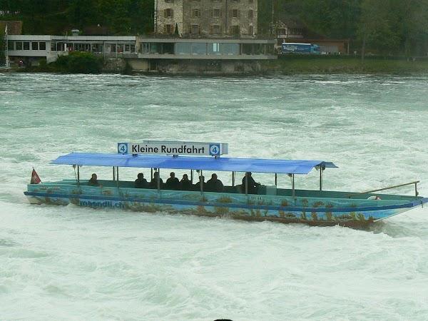 Obiective turistice Elvetia: barca pe Rin.JPG