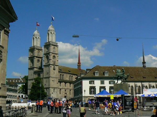Obiective turistice Elvetia: Grossmunster Zurich