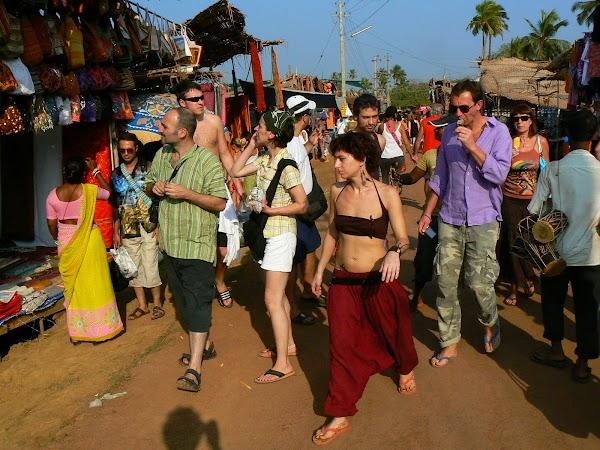 Imagini India Goa: prin targ, Anjuna Market