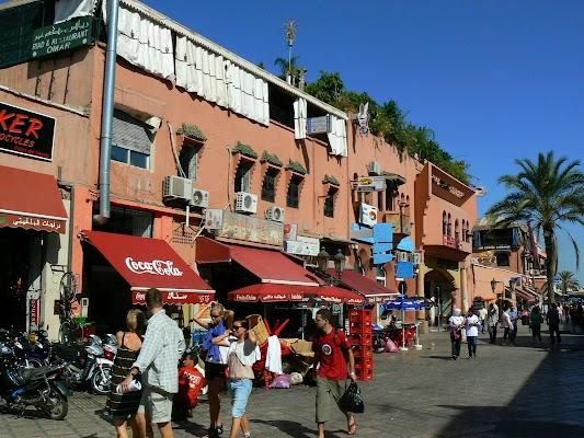 Imagini Maroc: Jema el-Fnaa Marrakech - strada pietonala