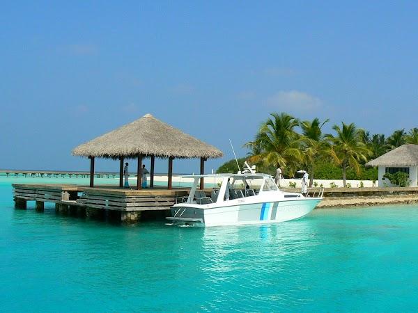 Cazare Maldive: Velassaru. pavilion debarcader.JPG