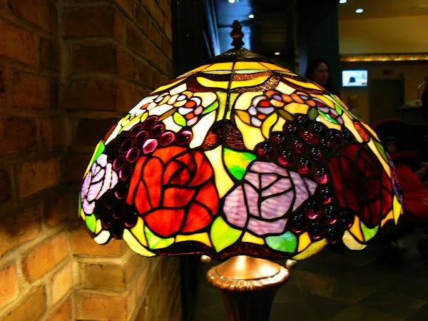 Imagini SUA: Hotel Ramada Inn Manhattan New York lampa de la receptie.JPG