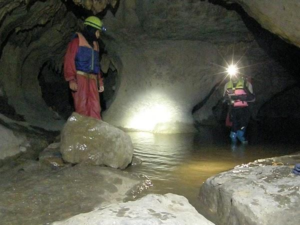 Imagini India: caving