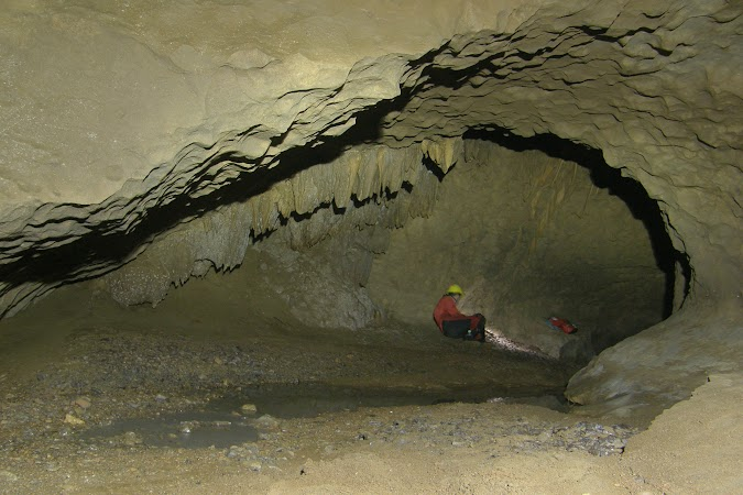 Obiective turistice India: caving.JPG