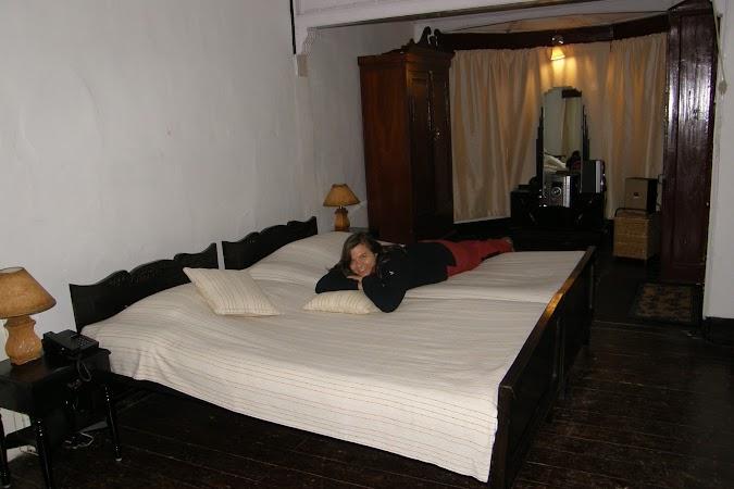 Obiective turistice India: lux in Shillong.JPG