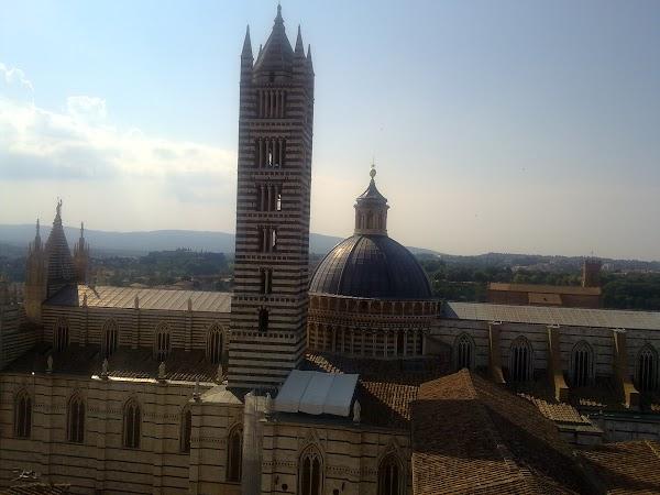 Obiective turistice Italia: DOMUL DE SUS, Siena