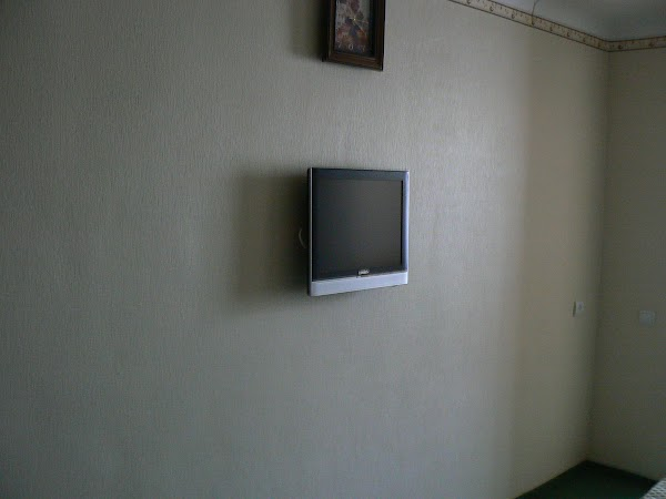 Imagini Ucraina: hotel Bukovina, Bucovina, Cernauti televizor plasma.JPG