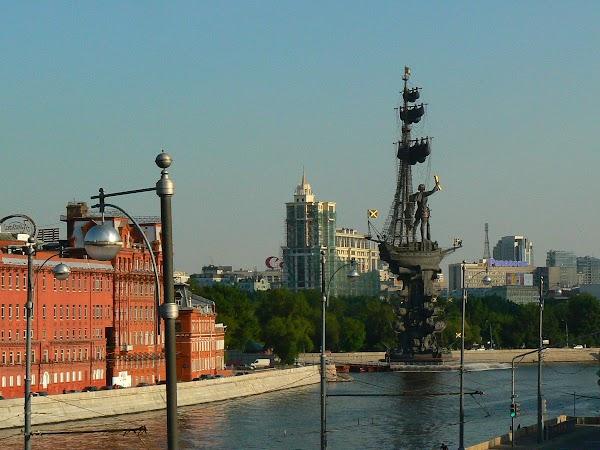 Obiective turistice Rusia: statuia lui Petru cel Mare, Moscova
