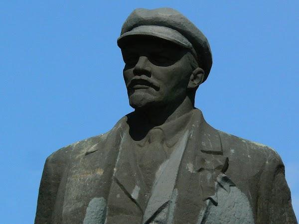 Obiective turistice Ucraina: tovarasa Vladimir Ilici Lenin.JPG