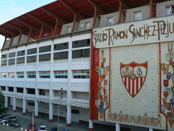 Obiective turistice Spania: Sevilla - 7 mai 1986 Stadionul Ramon Sanchez Pizjuan.JPG
