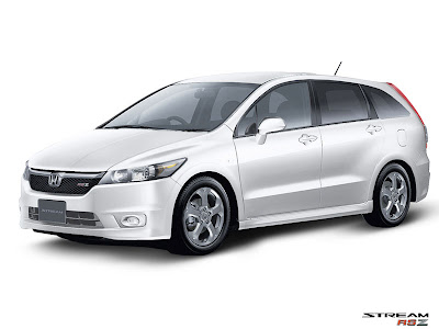 Honda Stream RCZ Prefacelift front