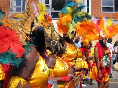在伦敦诺丁山狂欢节