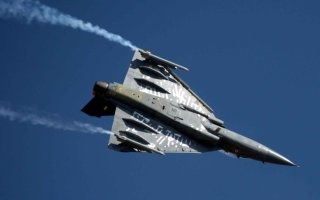 20110316-Indian-Air-Force-Light-Combat-Aircraft-Tejas-Wallpaper-01-TN
