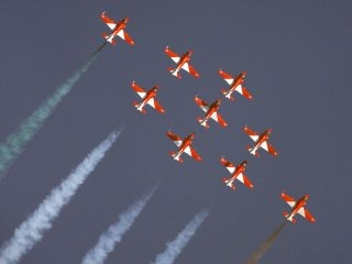 20110305-Indian-Air-Force-Surya-Kiran-Aerobatics-Wallpaper-03-TN