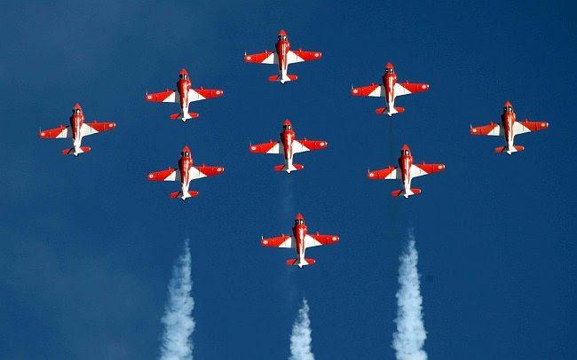 http://lh6.ggpht.com/_E3J9ye0fv2s/TYLs7RT6WAI/AAAAAAAACuc/svI1pWC2B_4/w1200-h630-p-k-no-nu/20110305-Indian-Air-Force-Surya-Kiran-Aerobatics-Wallpaper-11-TN%5B3%5D.jpg?imgmax=800 Indian