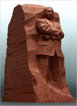 中国雕塑家的金雕像 让美国人流泪