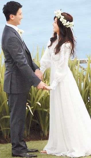 侯佩岑与黄伯俊拍照婚纱照时,几乎全程手拉手,甜蜜十足。(图片来源:台湾苹果日报).jpg