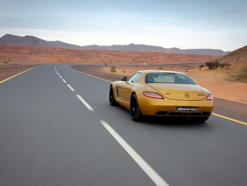 "Mercedes will show in Dubai ""gold"" SLS AMG"