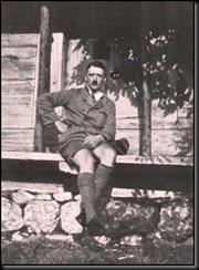 AdolfHitler-April301945-Germania 4