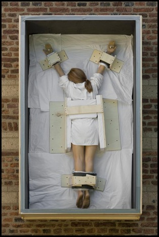 Cattelan-untitled-2008