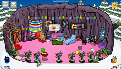 Cave Igloo in Club Penguin  :)