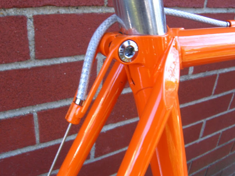 BICYCLE CLEAR BRAKE CABLE HOUSING BY FOOT LINED CLEAR LINER