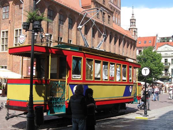 Zabytkowy tramwaj na rynku