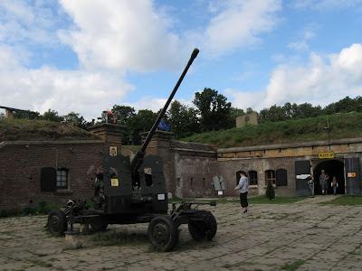 Fort Zachodni - armata przeciwlotnicza