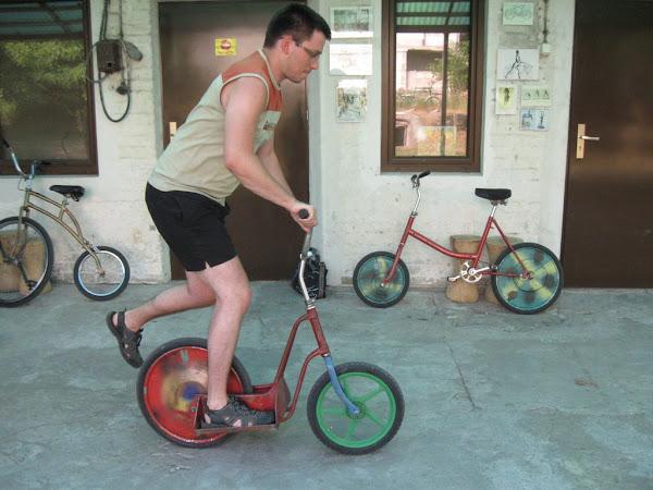 muzeum rowerów gołąb - rower skaczący