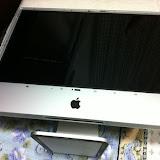 iMac 24インチ(Early 2008) ガラスパネルを外したところ