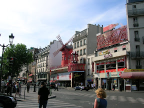 003 - Le Moulin Rouge.JPG