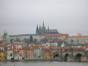 020 - Karluv most y castillo de Praga.JPG