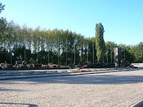 148 - Auschwitz II - Birkenau, monumento internacional.JPG